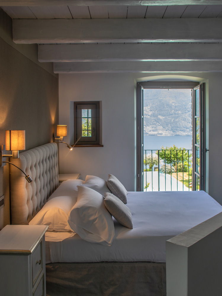 room-superior-balcony-gallery-vert-1