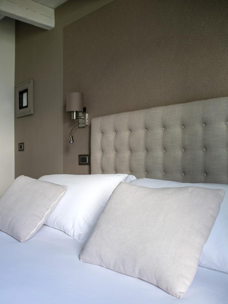 room-superior-balcony-gallery-vert-2